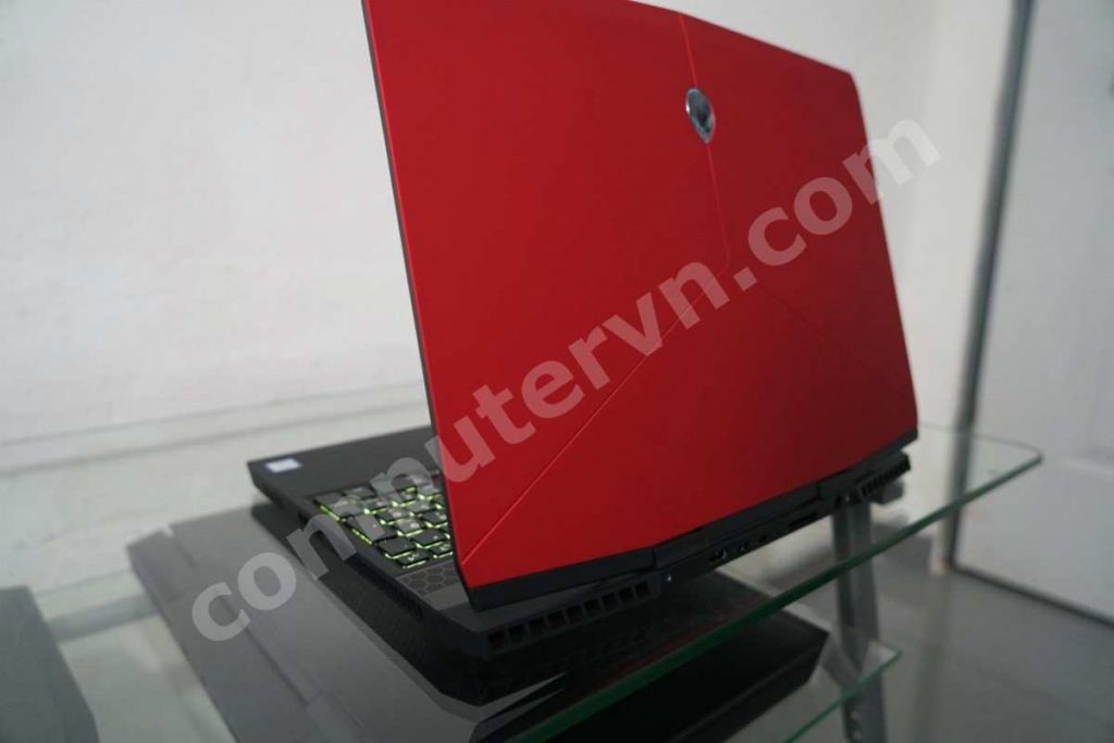 Dell Alienware M15 i7