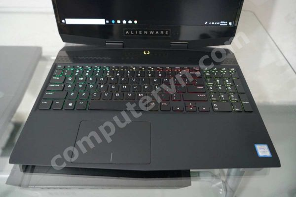 Dell Alienware M15 i7 8750H
