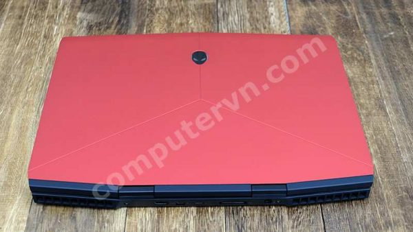 Dell Alienware M15 i7 red