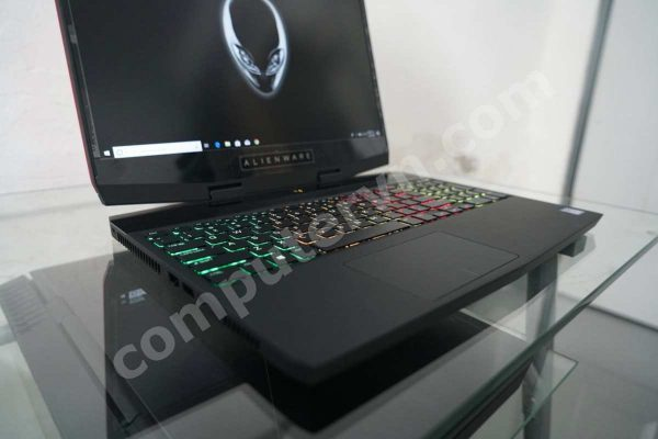 Dell Alienware M15 specs